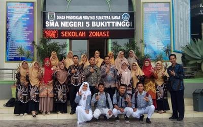 SMAN 5 Bukittinggi Menjadi Tujuan Studi Tiru SMAN 1 Lembah Gumanti Kab.Solok